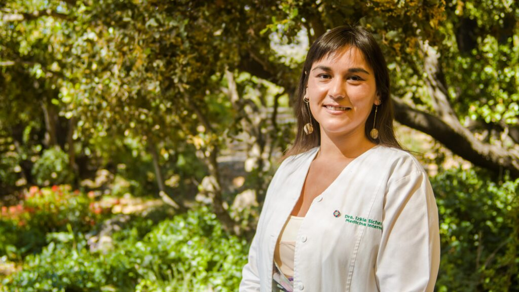 Dra. Izkia Siches C. Colegio Médico de Chile